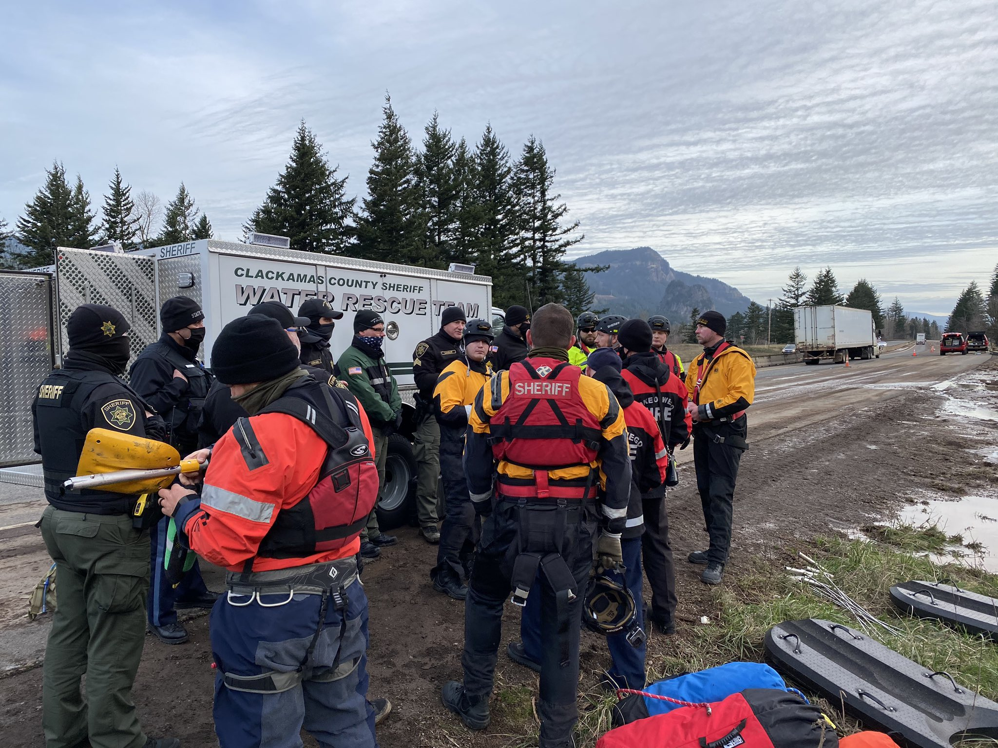 Search & Rescue crews preparing to search the debris flow for the missing driver, Jennifer Moore (Courtesy Multnomah Co. Sheriff's Office)