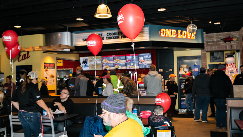 Raising Canes Opens In Cold Spring Wkrc