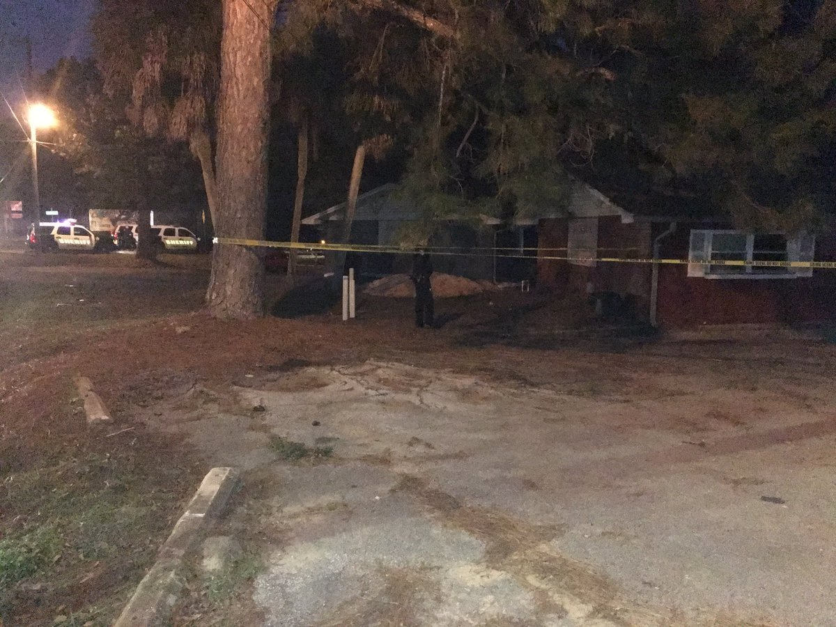 <p>Photo: Homicide investigation in Myrtle Grove</p><p>Photo source: Channel 3's Jason Robbins</p>