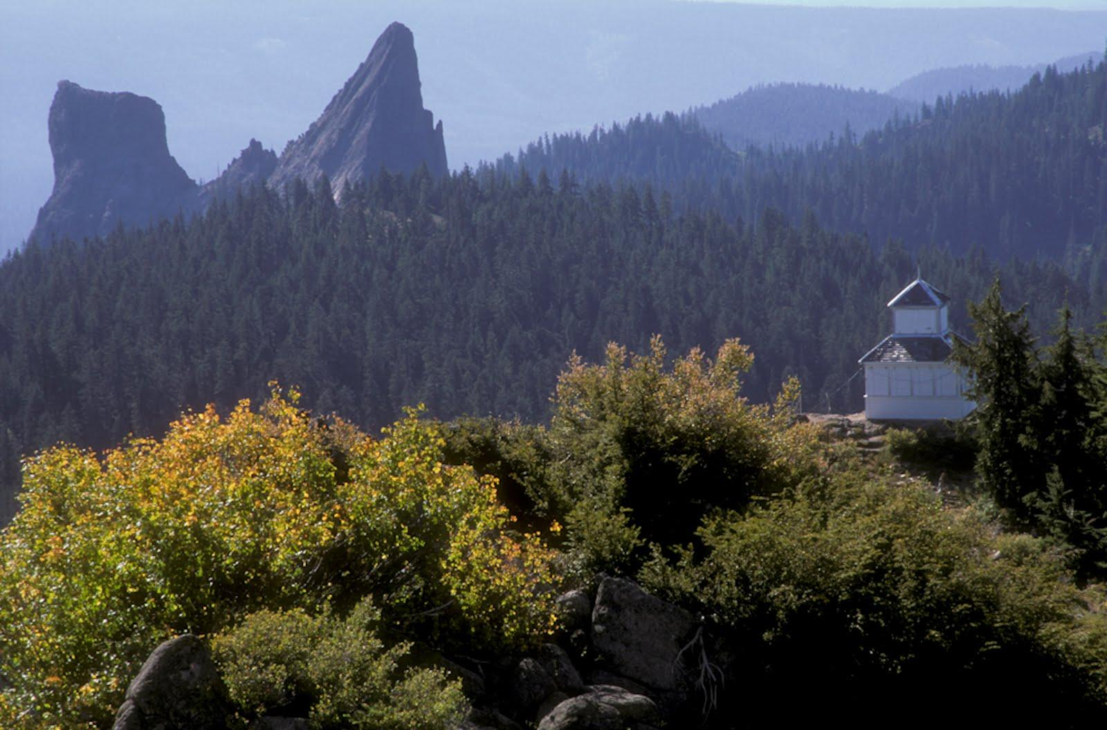 Hershberger Lookout & Rabbit Ears on the Rogue River Siskiyou National Forest