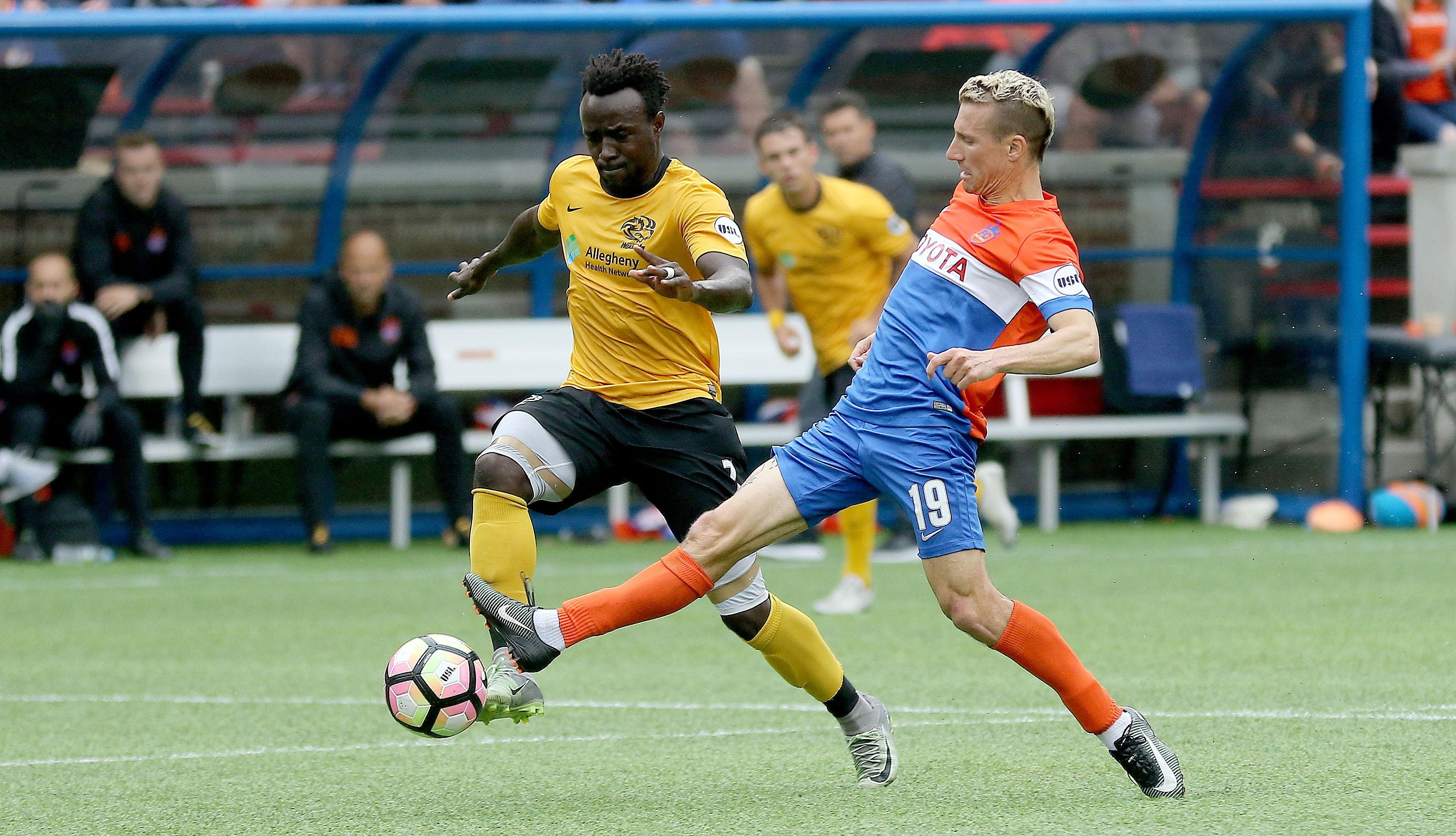Andrew Wiedeman's goal in the 40th countered an early strike by Pittsburgh Riverhounds as the two teams played to a 1-1 draw Sat. evening in front of 22,643 at Nippert Stadium (WKRC/Tony Tribble)