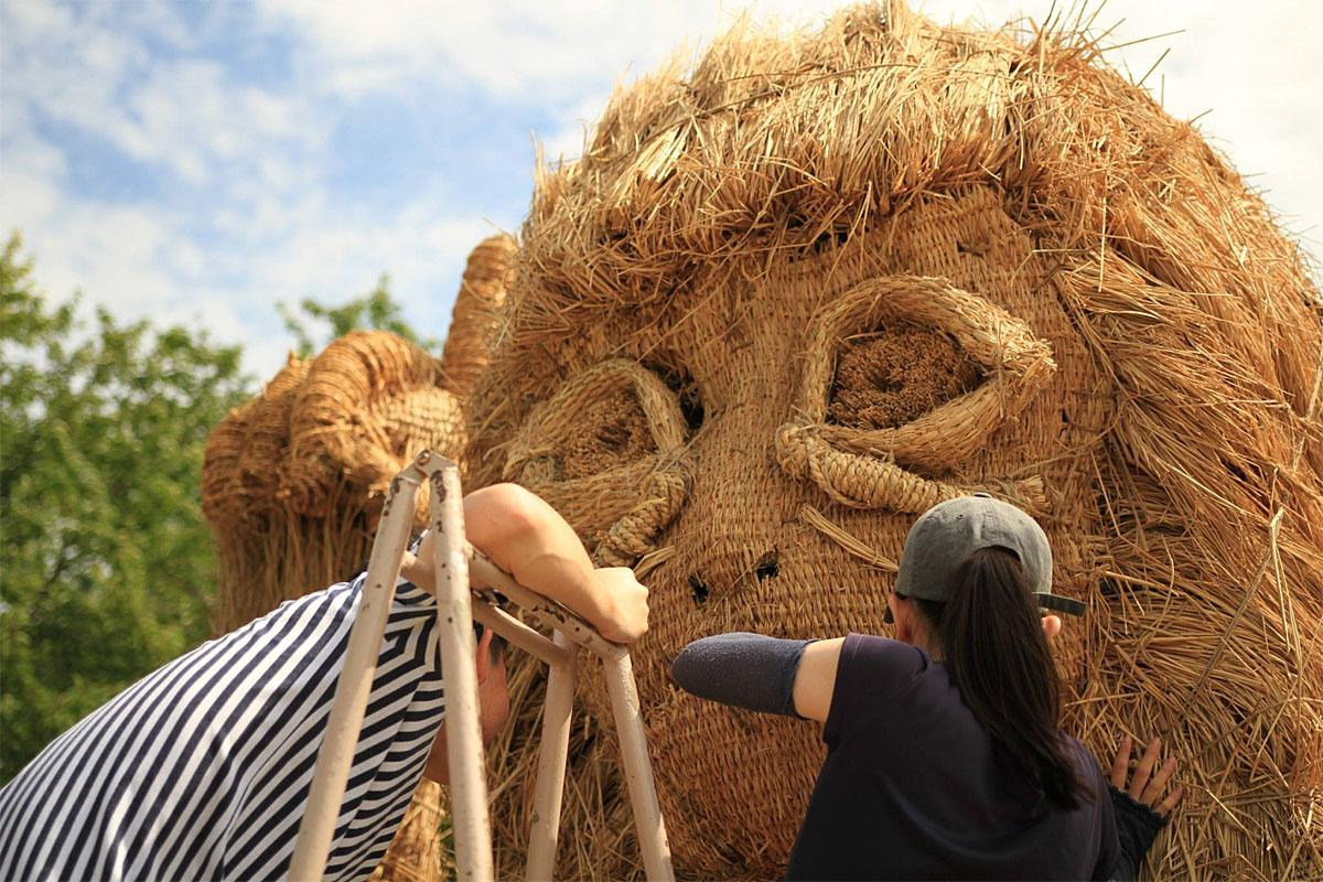 These stunning sculptures are made from STRAW.They form part of the Wara Art Festival in Niigata Prefecture, Japan, held at Uwasekigata Park until the end of October.The annual event, now in its 11th year, sees students from Tokyo's Musashino Art University and locals from Niigata city fashion their creations on wooden skeletal frames.Scultures include a goat, mammoth, hippo and sabre-tooth cat.The festival started in 2008 when Niigata?s farmers asked advice from Tokyo's Musashino Art University on turning excess harvested rice straw into artworks.Where: Niigata, JapanWhen: 06 Sep 2018Credit: Wara Art/Cover Images