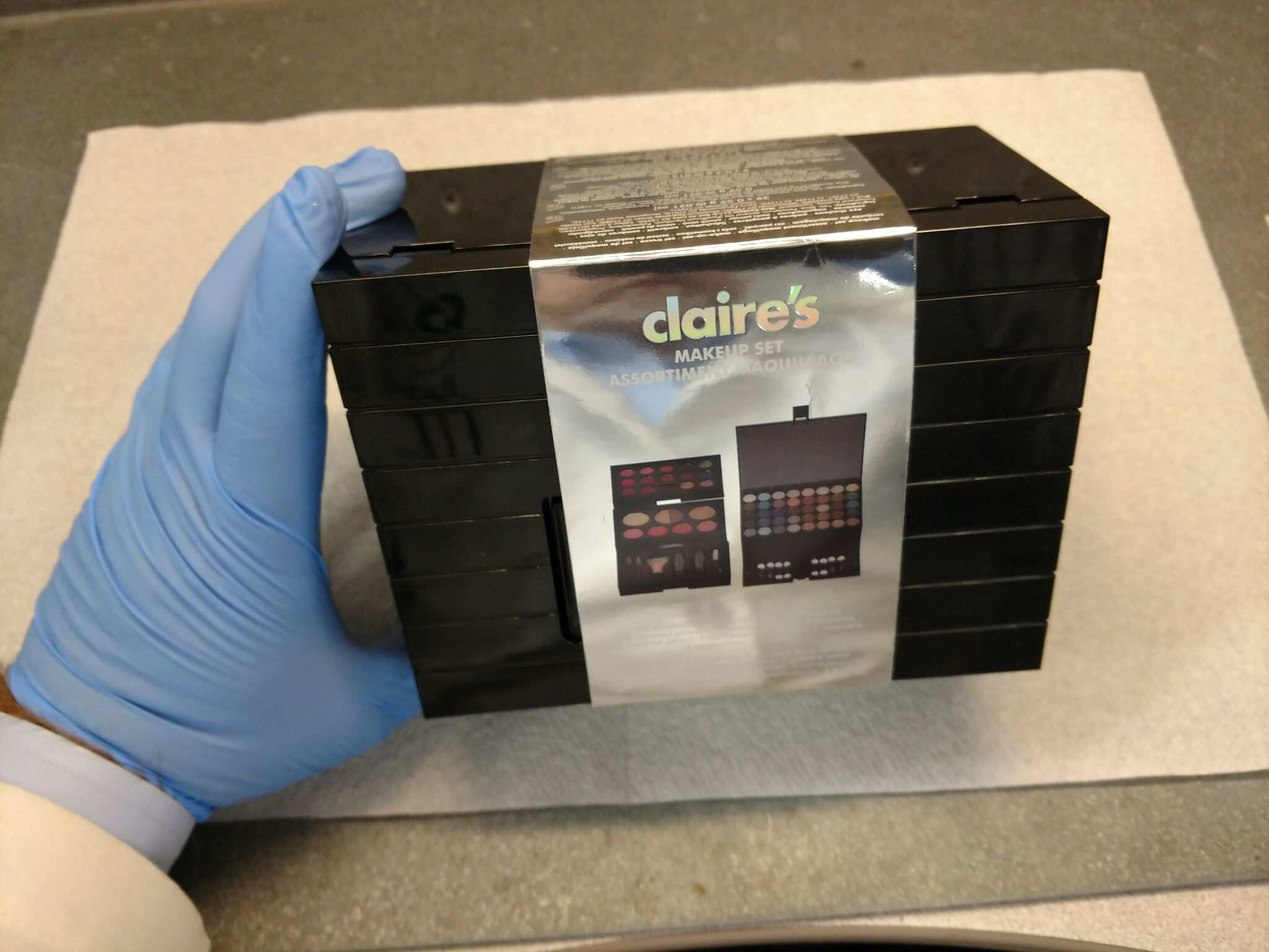 Claire's is pulling 17 products off store shelves after a Rhode Island family discovered asbestos in their 6-year-old daughter's makeup. (WJAR)
