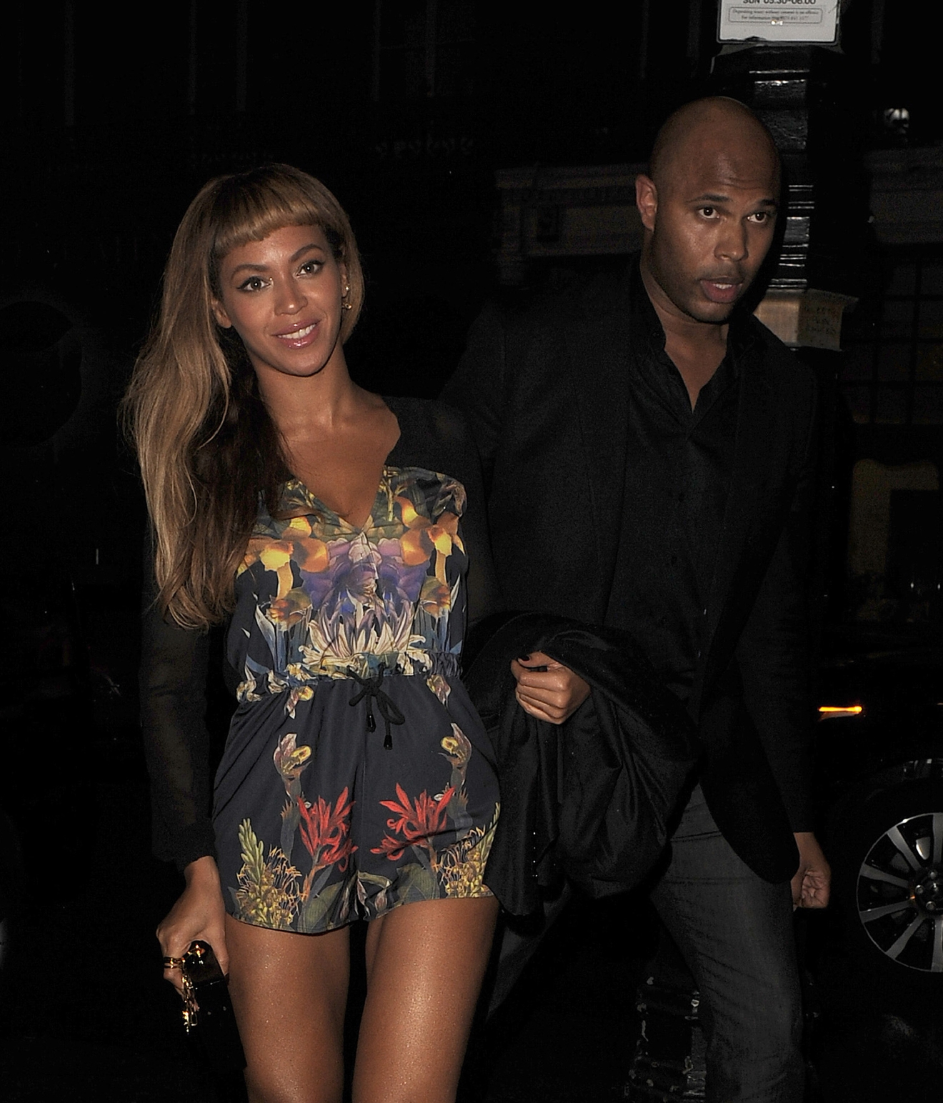 Beyonce Knowles and Jay-Z enjoy a dinner date at Harry's Bar in Mayfair on Oct. 17, 2014. (Will Alexander/WENN.com)