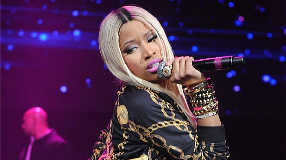 Nicki Minaj dedicates 'Anaconda' rendition to Donald Trump