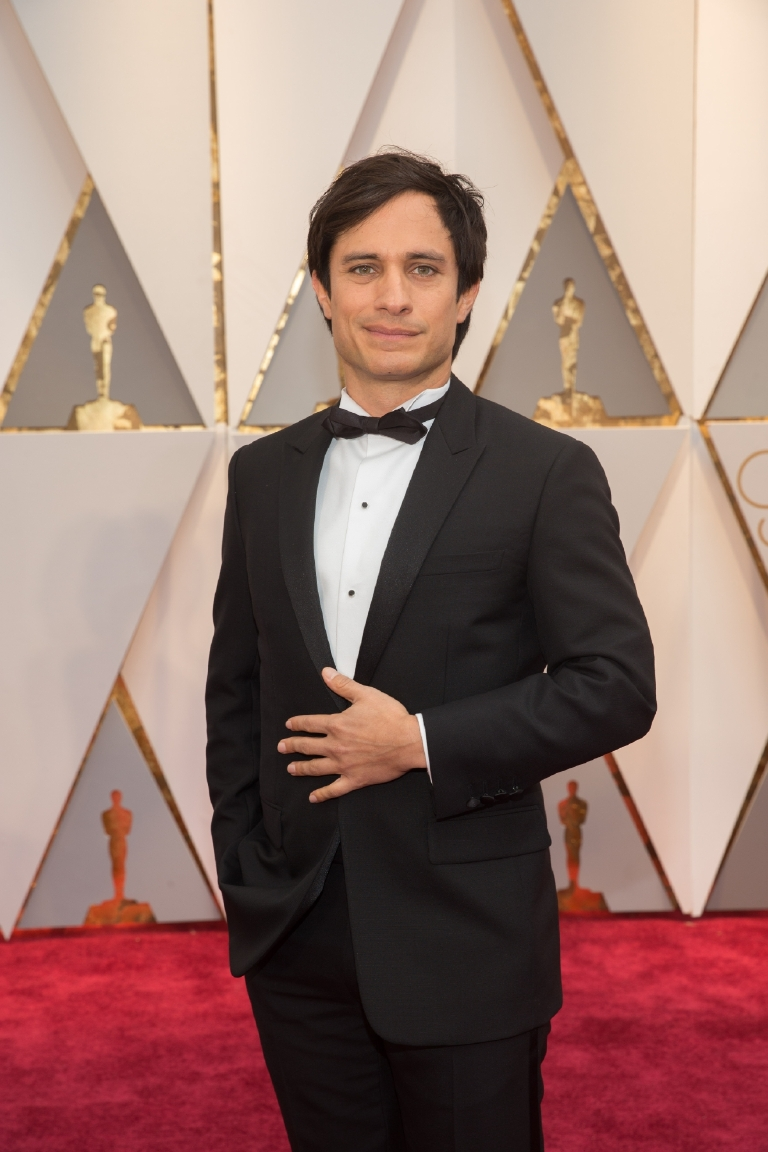 Gael Garcia Bernal arrives on the red carpet of The 89th Oscars® at the Dolby® Theatre in Hollywood, CA on Sunday, February 26, 2017. (Michael Yada / ©A.M.P.A.S.)