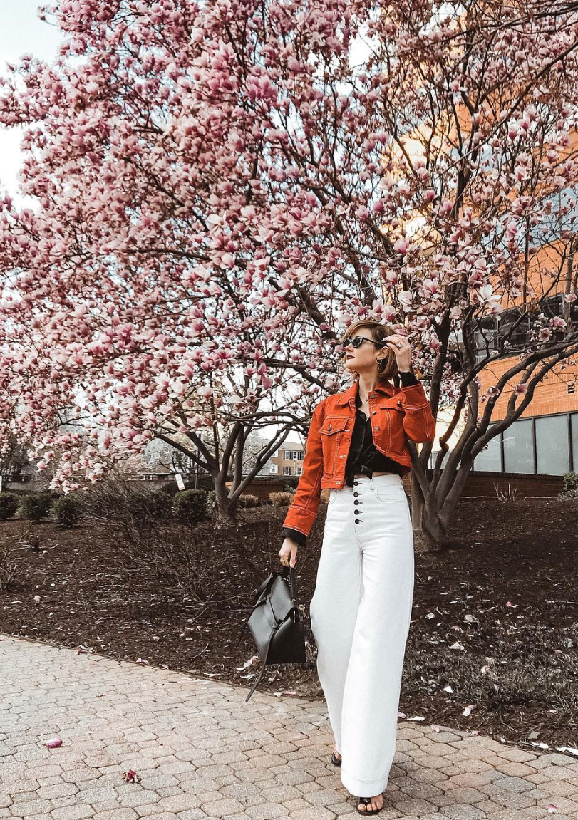 Shades ranging from orange to red are a all over our feeds right now and this burnt orange hue is{ } the perfect way to break up a low-key outfit. (Image courtesy of @districtofchic)