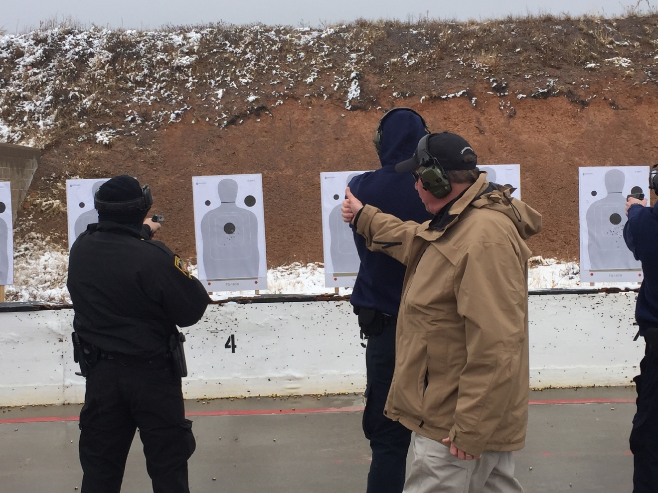 Randall County Lt. Tim Williams instructs students at Amarillo's Gun Range. (ABC 7 Amarillo - Lisa Schmidt)