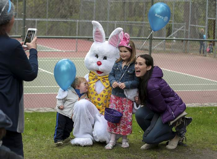 Ashland's annual Easter Egg Hunt in Lithia Park. [// PHOTOS BY: LARRY STAUTH JR]