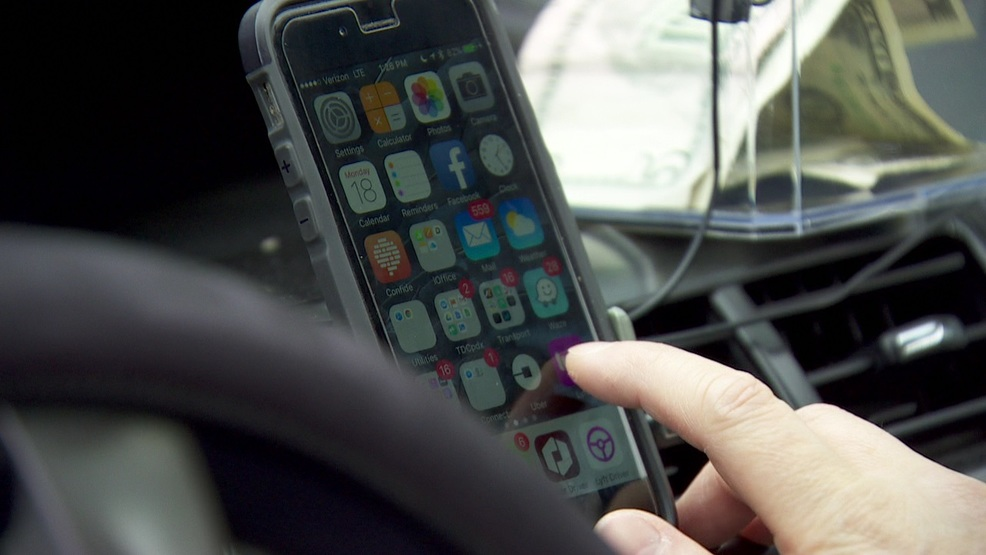 Loophole Discovered In Oregons New Distracted Driving Law