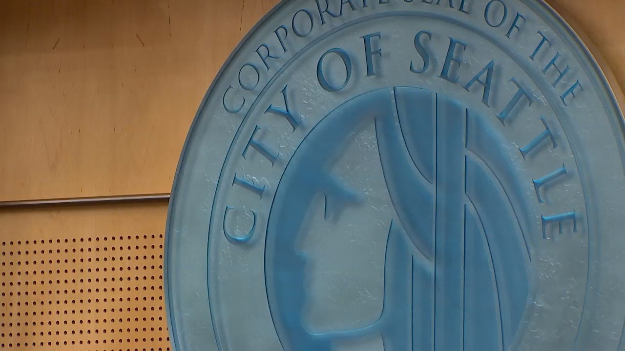 A key Seattle City Council committee made changes on Tuesday to the limits of short-term rentals like Airbnb or VRBO and how hosts can operate. City lawmakers want to put caps on the number of short-term rental units in the city as an attempt to increase the long-term rental supply. (Photo: KOMO News)