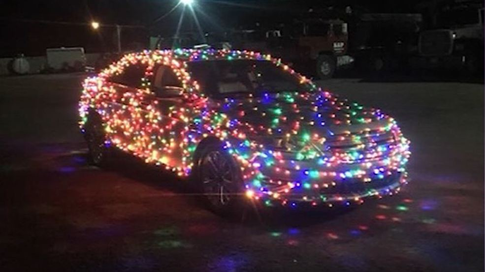 Man gets $232 ticket for car covered in Christmas lights | WKRC