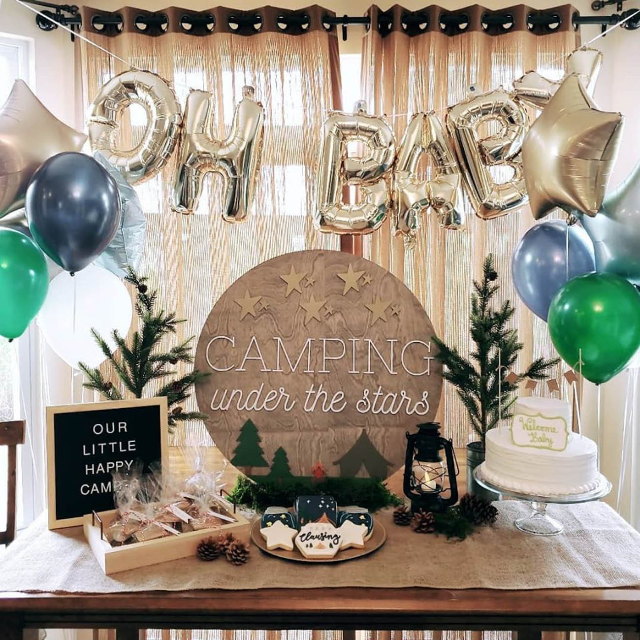 The custom signs are perfect for nurseries, events, parties, and business logos for anyone who wants to add a slightly rustic and personal touch to a room. Clients can pick from all sorts of products in a variety of colors, sizes, fonts, and styles for a completely tailor-made piece. / Image courtesy of Taproot & Co. // Published: 2.5.20