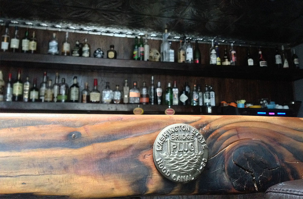 A look at the barge and the bar from MPC's Barge Bar. (Image: Frank Guanco / Seattle Refined)