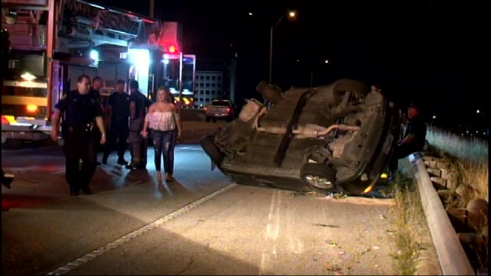 Driver injured in rollover wreck on Highway 281 | KABB