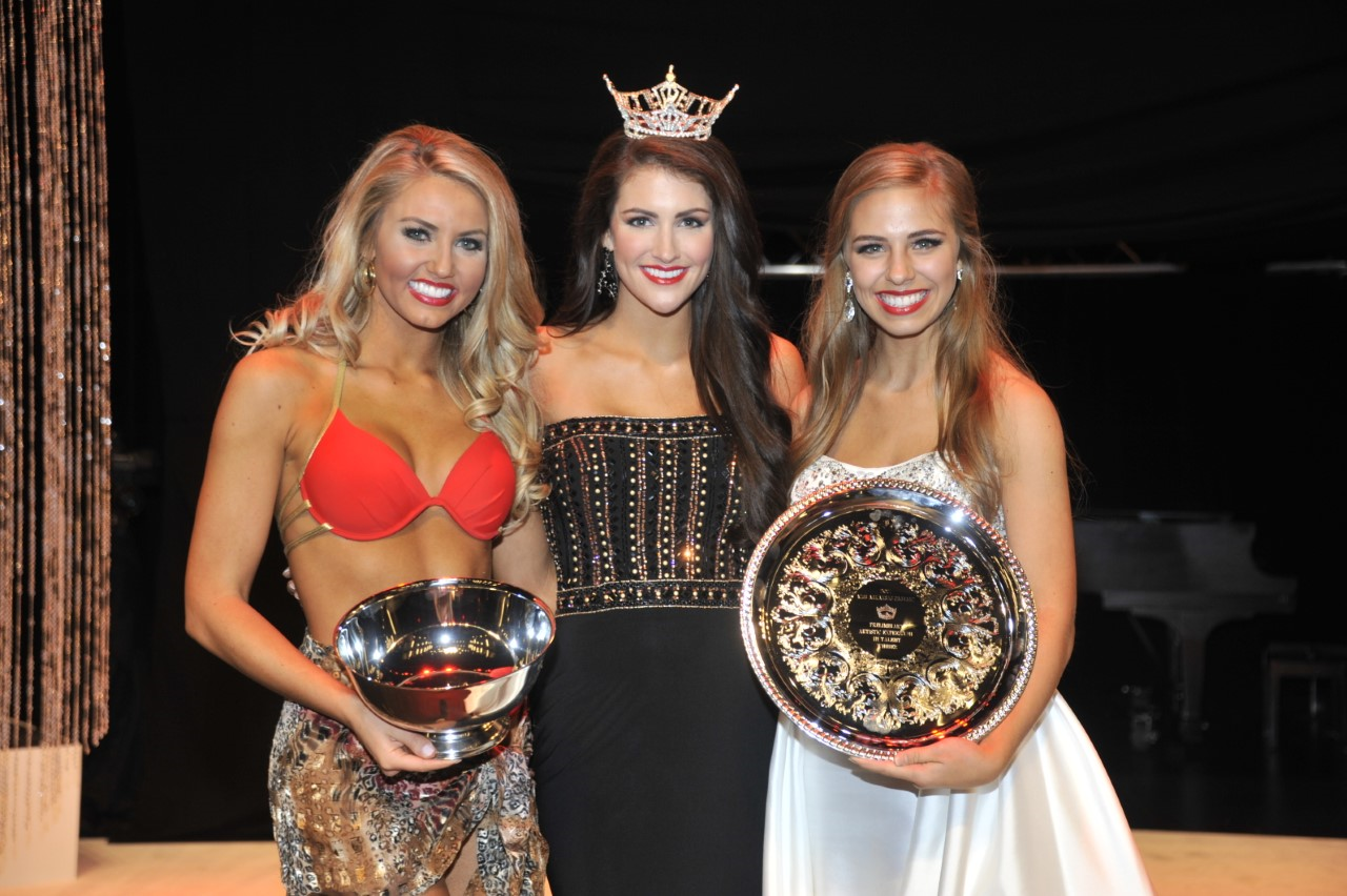 Miss Northeast Arkansas Bailey Moses (L) won the Swimsuit Preliminary Award. Miss Arkansas Tech University Kelsey Stone (R) won the Talent Preliminary Award. (Photo: Danny Barger Photography)