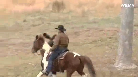 WM16x9N_PO-63TU_ROY MOORE RIDES HORSE AFTER VOTING_CNNA-ST1-100000000453ee40_201_1WThumbnail