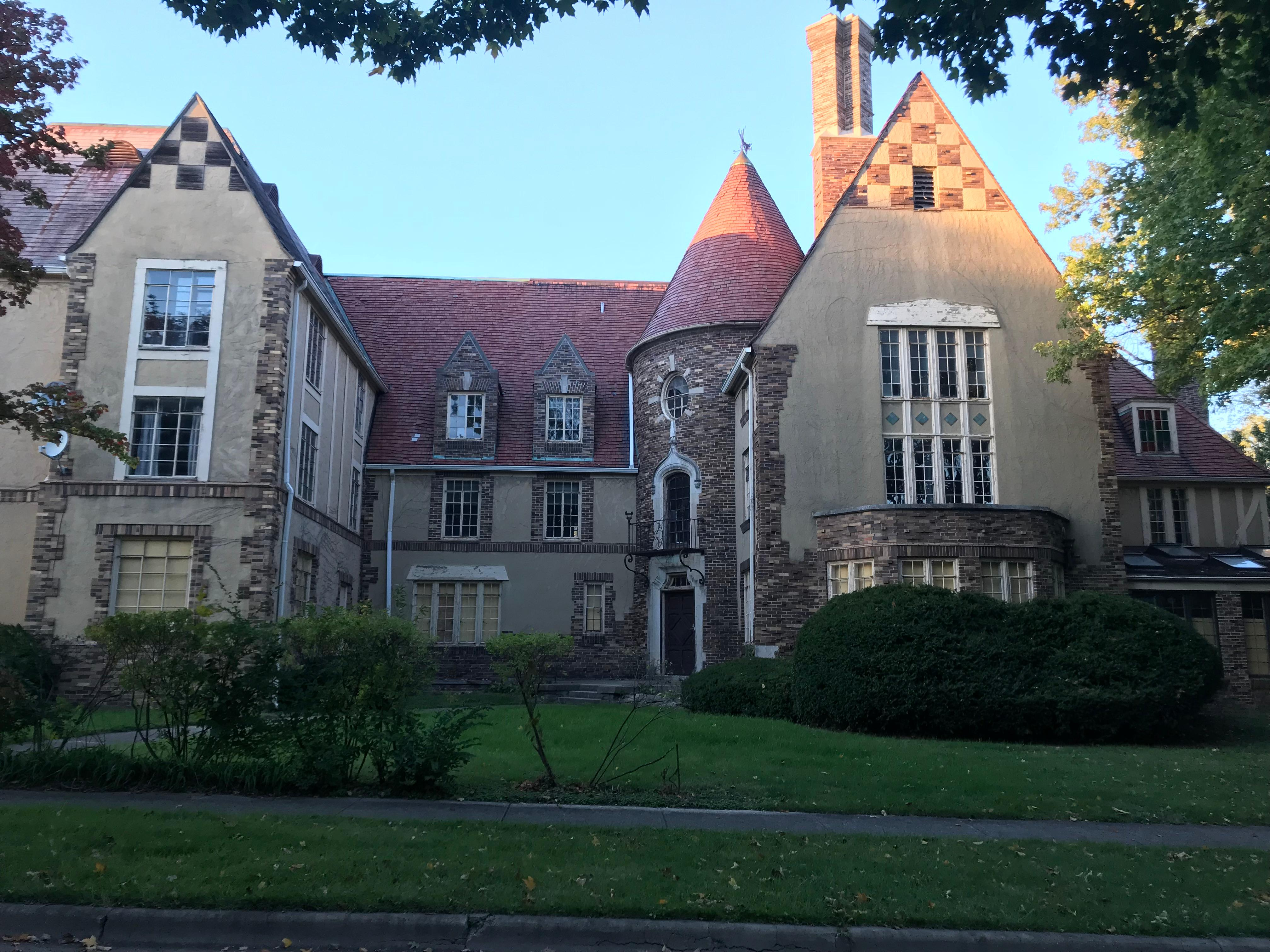 A University of Illinois professor has plans to restore a historical landmark by embracing its French-inspired architecture. His project looks convert the former sorority house into an 18-unit apartment complex. (WCCU)<p></p>