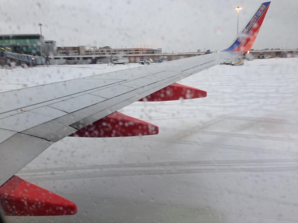 Despite the snow, Jordann's plane landed and taxi'd just fine.