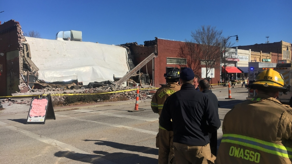 Collinsville's Silver Dollar Cafe collapses after car