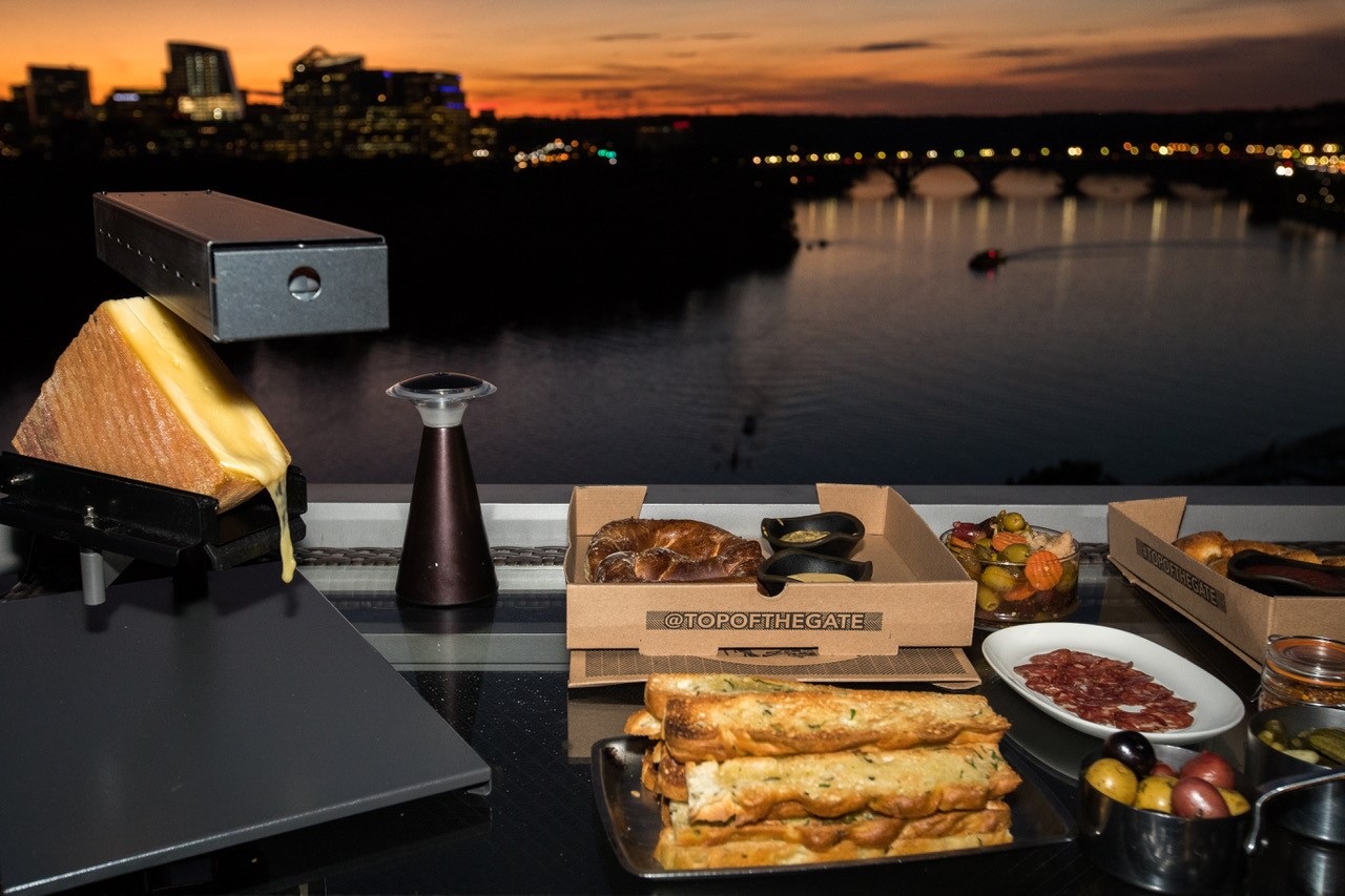 Enjoy nibbles such as a hot pretzel with British mustard and jalapeno cheese, a stromboli with sopressata picante, scamorza and provolone or san Marzano, basil and tomato, and two varieties of s'mores. (Image: Courtesy Watergate Hotel)