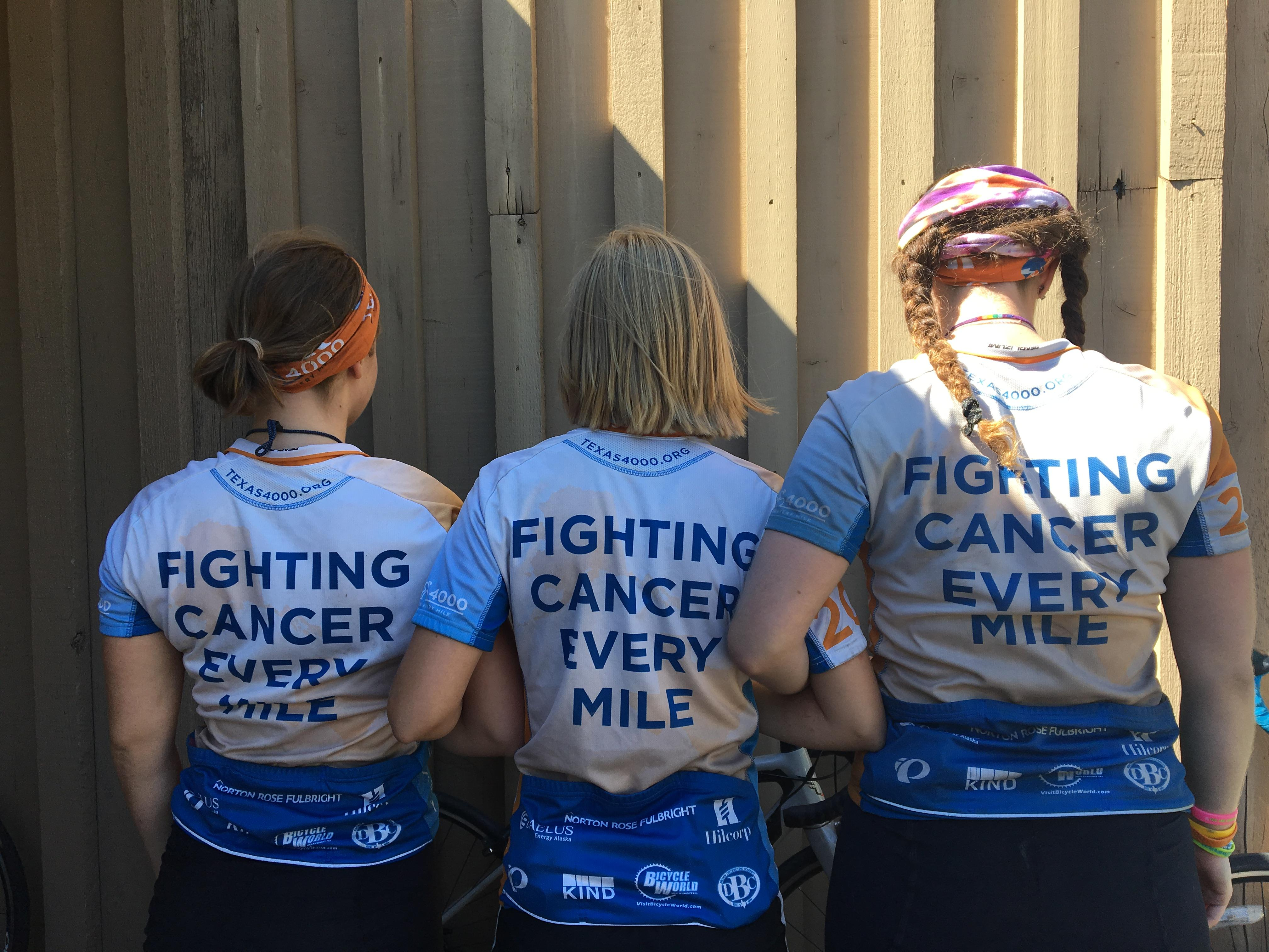 4,000 people from Texas rolled into Coos Bay on bicycles Wednesday with a mission to share hope, knowledge and charity for cancer research. (SBG photo)