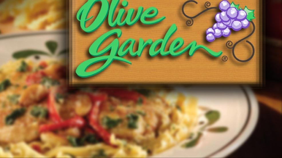 good samaritan pays muslim familys olive garden bill on christmas eve - Is Olive Garden Open On Christmas Eve