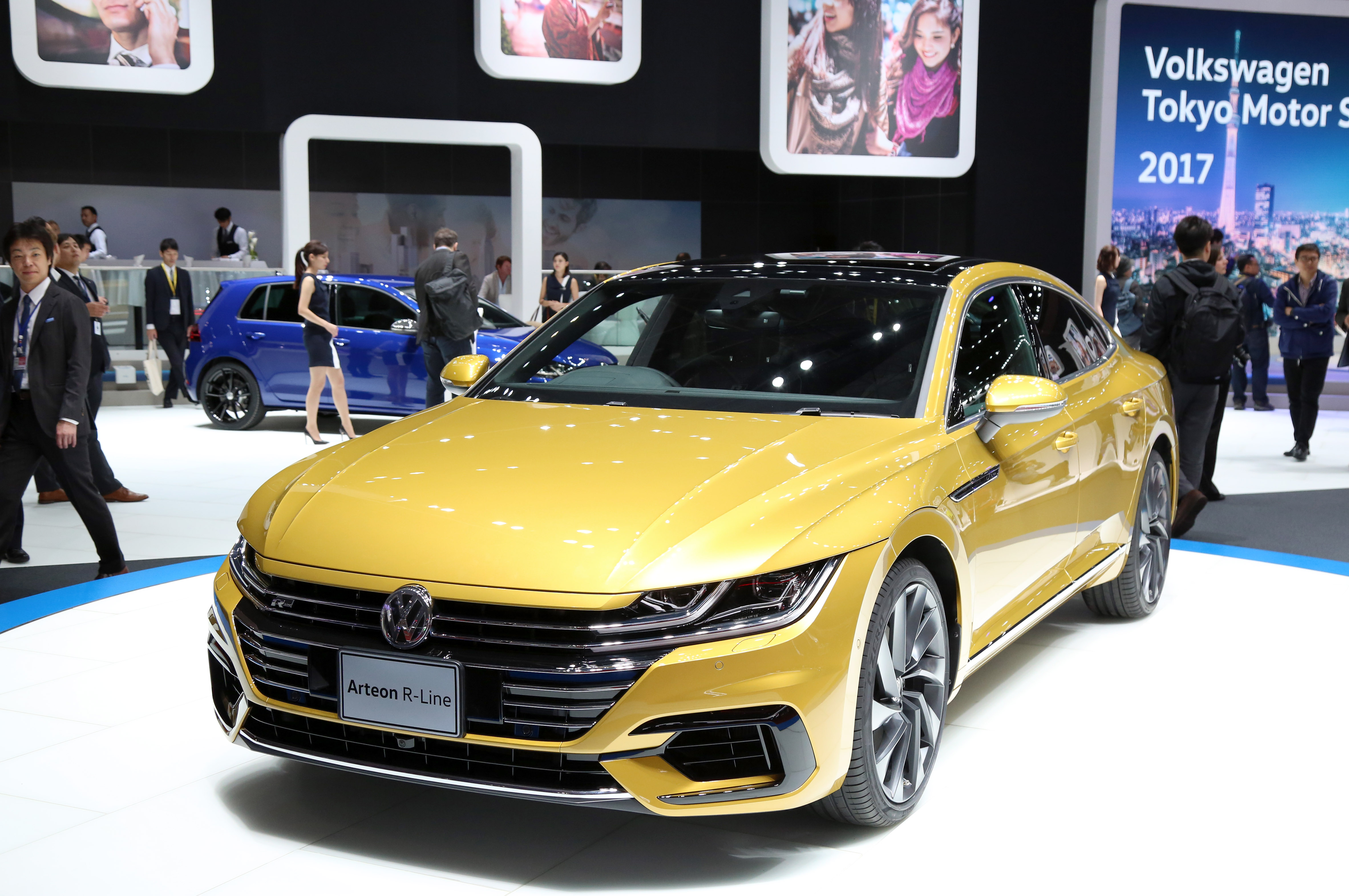 Tokyo Motor Show 2017  Featuring: VW Arteon R-Line Where: Tokyo, Japan When: 25 Oct 2017 Credit: Yukio Tomita/Future Image/WENN.com  **Not available for publication in Germany**
