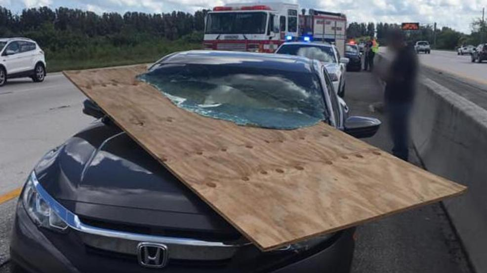 Photo Plywood Slices Into Car Windshield Wpec