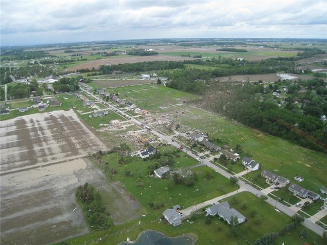 Tornado damage seen from aerial photo taken over Millbury, Ohio / Spencer Norris, Intrepid Helicopters