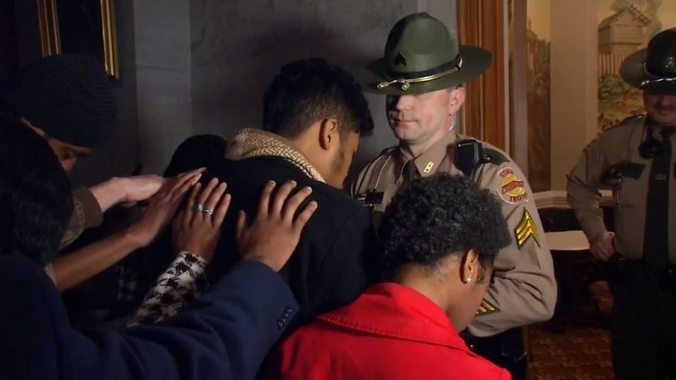 2 arrested, protested Confederate bust at Tennessee Capitol