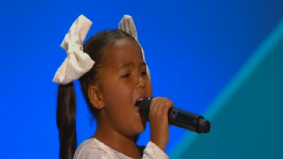 6-year-old captivates RNC crowd with America the Beautiful performance