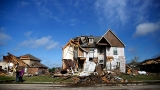 Severe storms threaten central US; trucker dies in Oklahoma