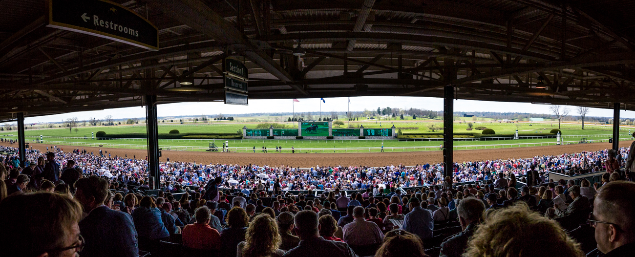 Attendees gather trackside at Keeneland. / Image courtesy of Catherine Viox // Published:{ }4.12.19