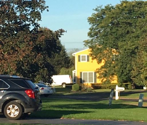 Fairport Police and Monroe County Sheriff's deputies are investigating a double shooting in Fairport that has claimed two lives.{&amp;nbsp;}<p></p>
