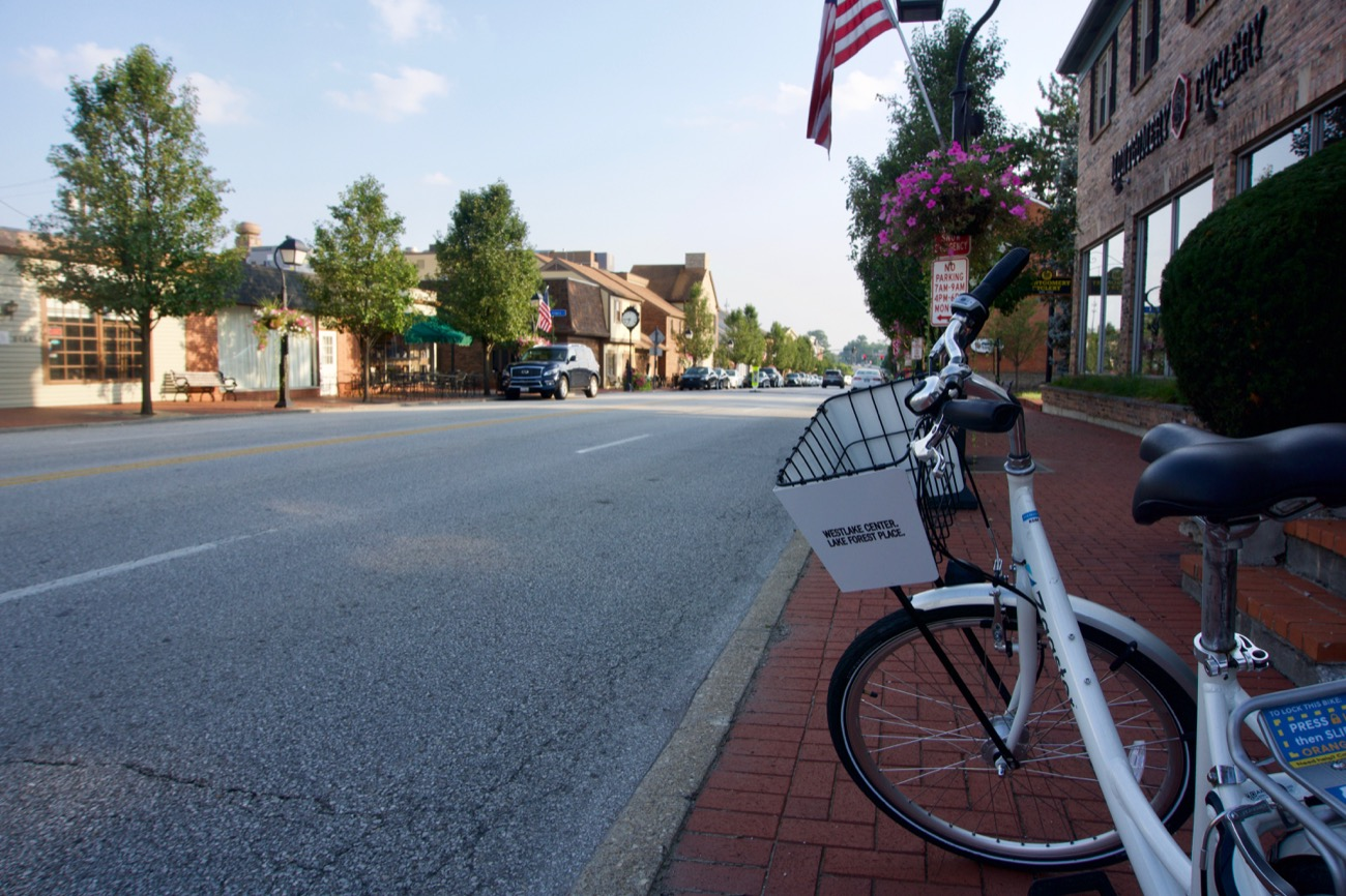 Montgomery is one of the most charming little enclaves in Cincinnati. A bit difficult to bike on the sidewalks here, if only because there's so much stuff on them. But getting there from Blue Ash is a breeze on Cooper Road. / Image: Brian Planalp // Published: 8.28.18