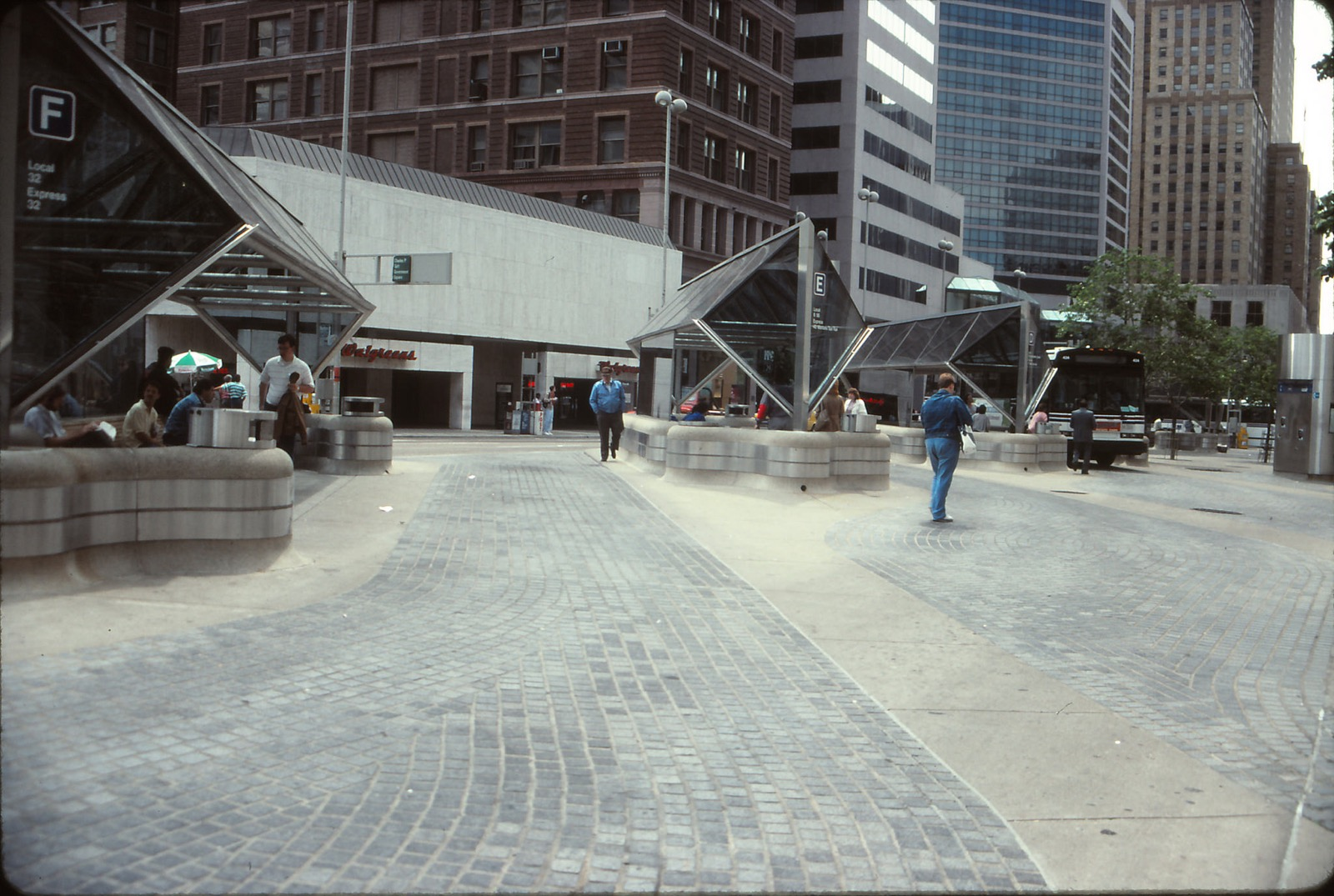 5th Street Transit Center, Downtown / Image courtesy of Flickr user mplstodd // Published: 3.12.18