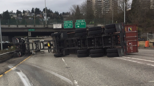 I-5 ramp to I-405 reopens after semi roll over
