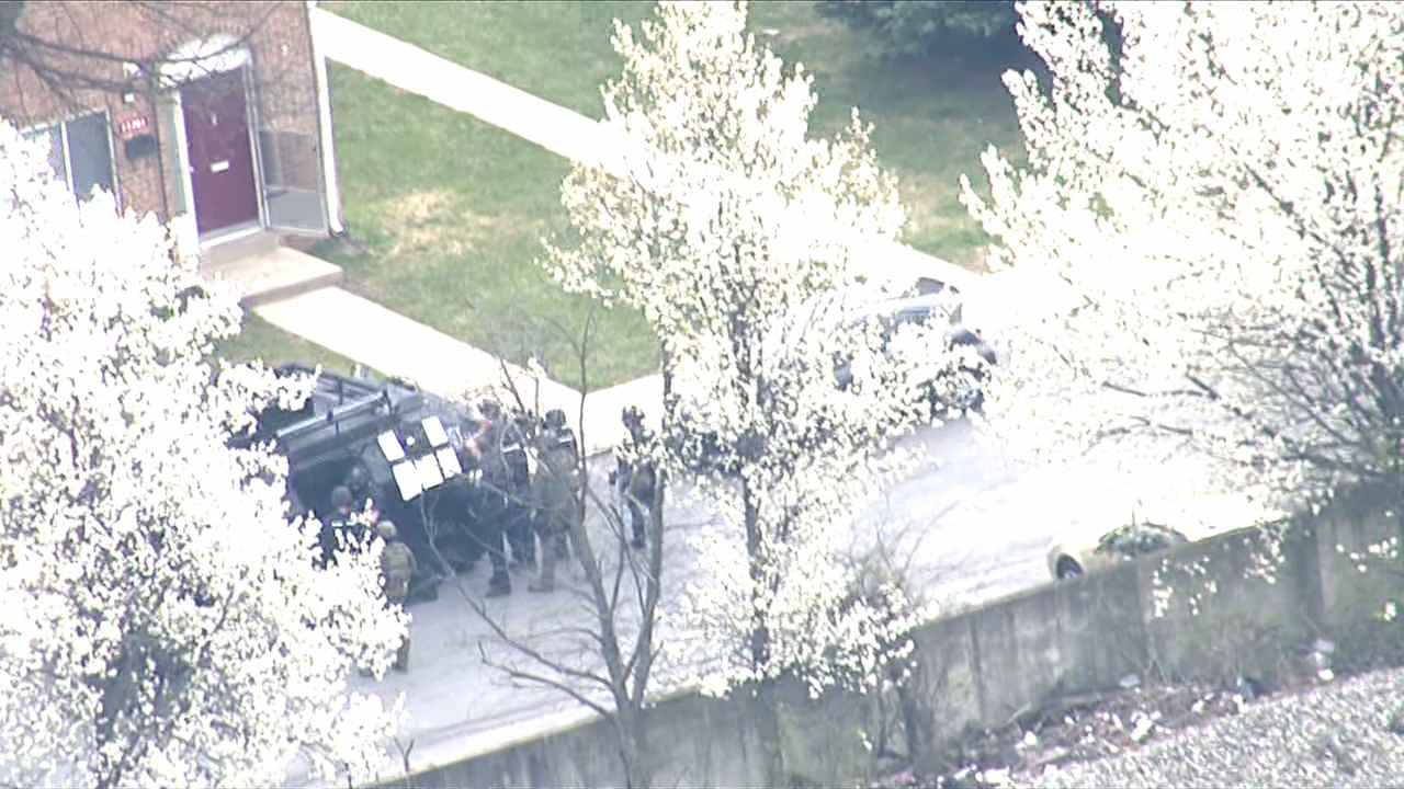 Police respond to barricade situation in Maryland. (SkyTrak 7)