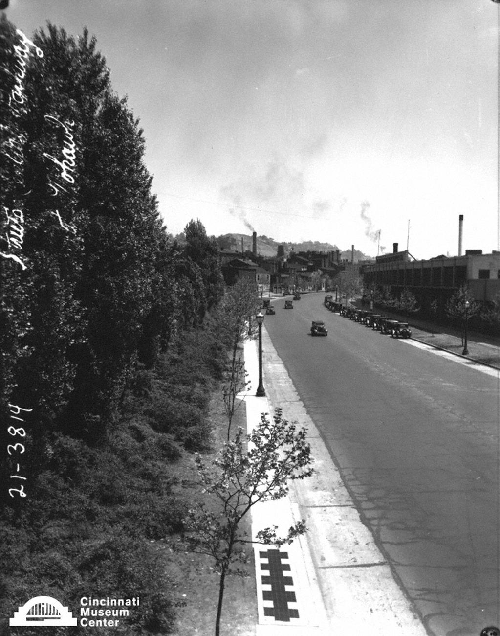 Looking east on Central Parkway from the early 20th Century / Image: Paul Briol, accessed via the Cincinnati Museum Center History Library and Archives // Published: 2.16.19Accessed via the Cincinnati Museum Center History Library and Archives.