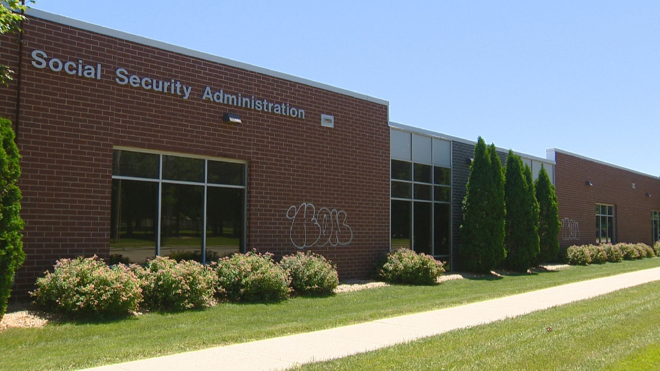 Graffiti closes green bay social security office wluk - Local social security administration office ...