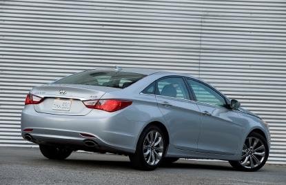 Hyundai recalls almost 1M Sonatas for seatbelt repair   WMYA