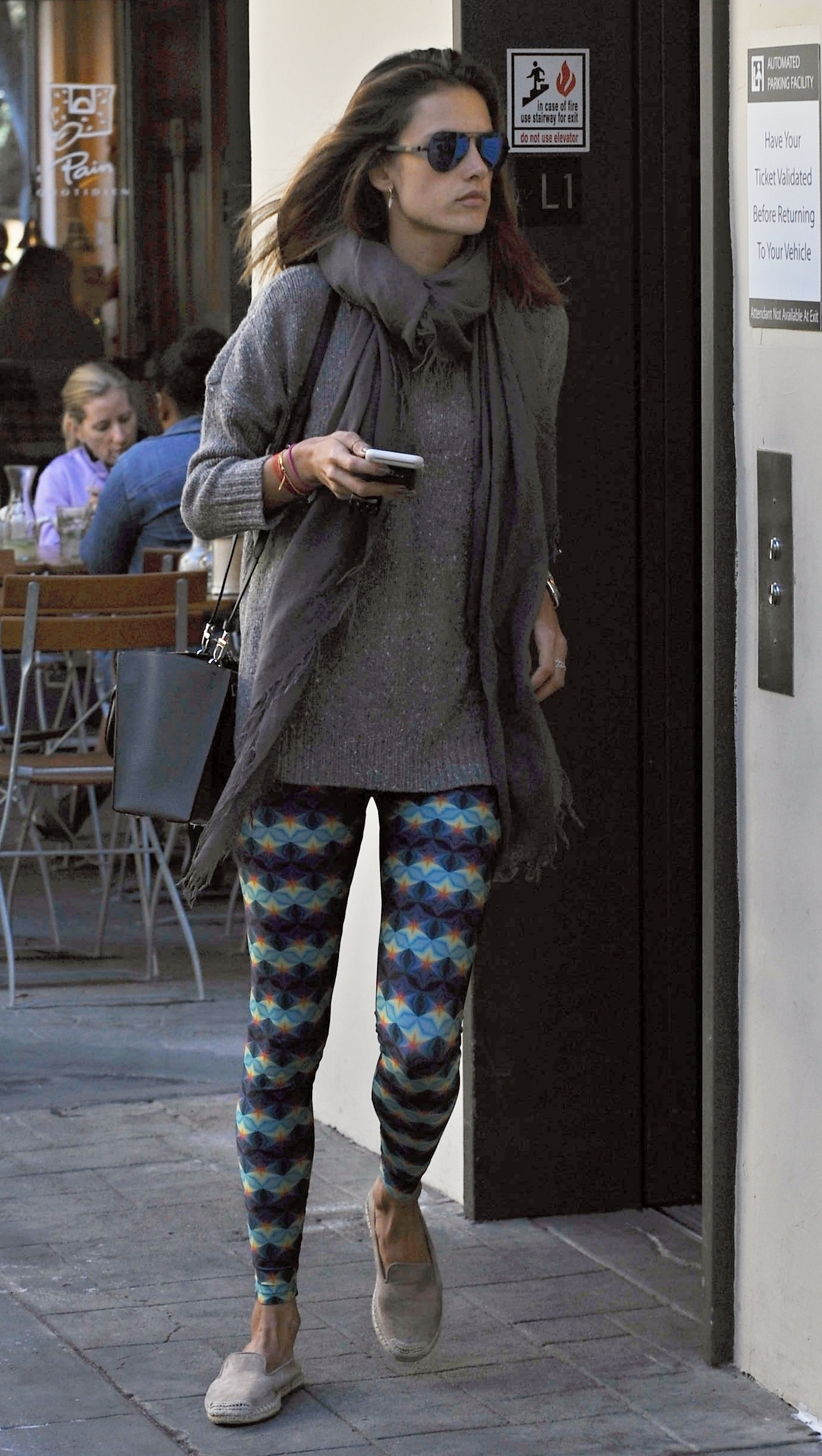 Model Alessandra Ambrosio wearing geometric pattern yoga pants after a yoga class                                    Featuring: Alessandra Ambrosio                  Where: Brentwood, California, United States                  When: 12 Jan 2016                  Credit: WENN.com
