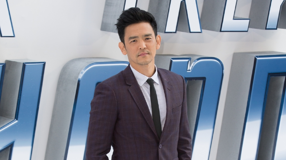 John Cho's gay kiss cut from 'Star Trek Beyond'