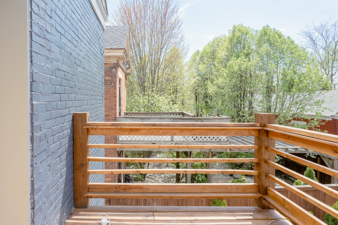 A second-floor outdoor deck / Image courtesy of Tom Sinclair // Published: 1.16.20