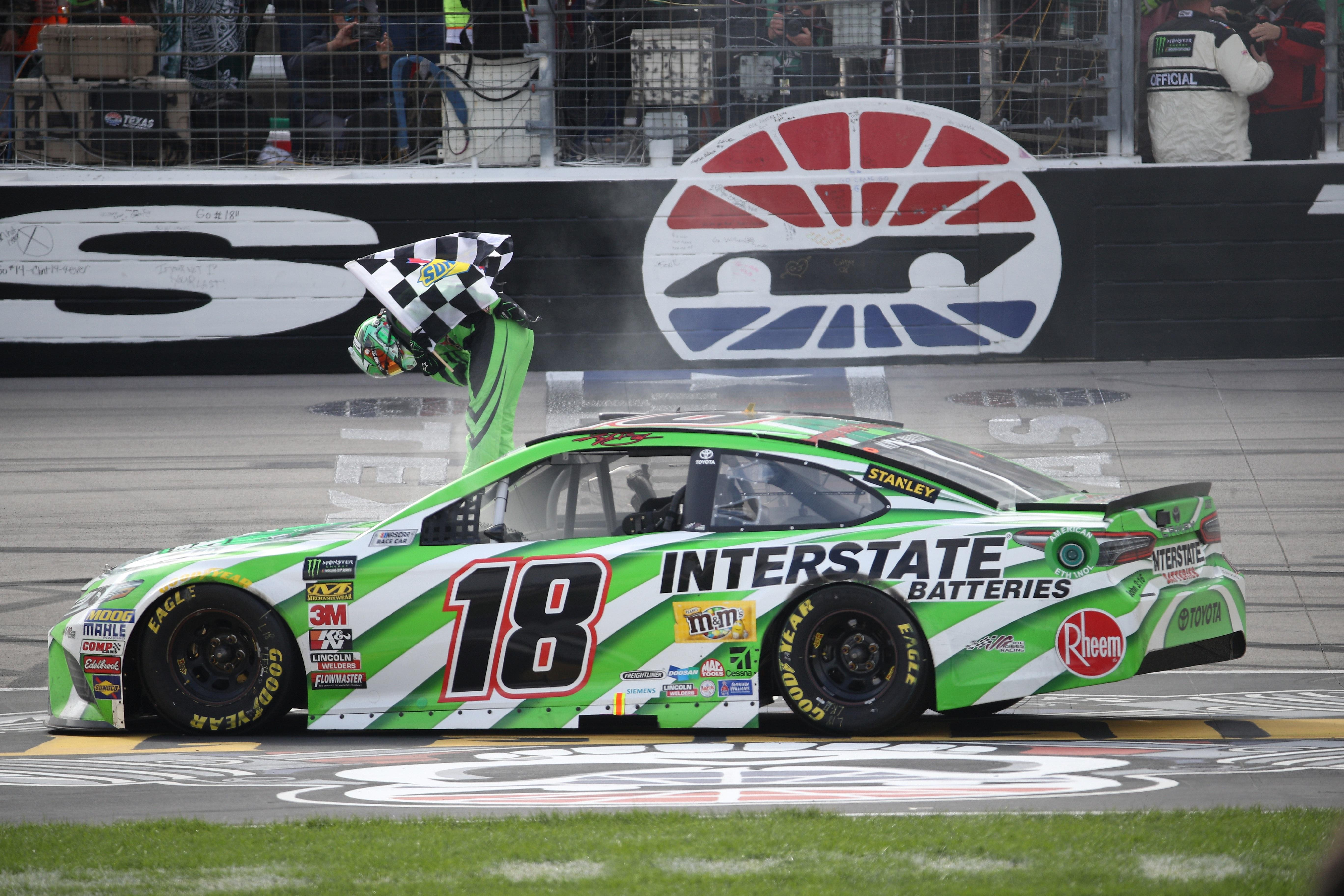 Kyle Busch wins at Texas for 3rd time | WCYB