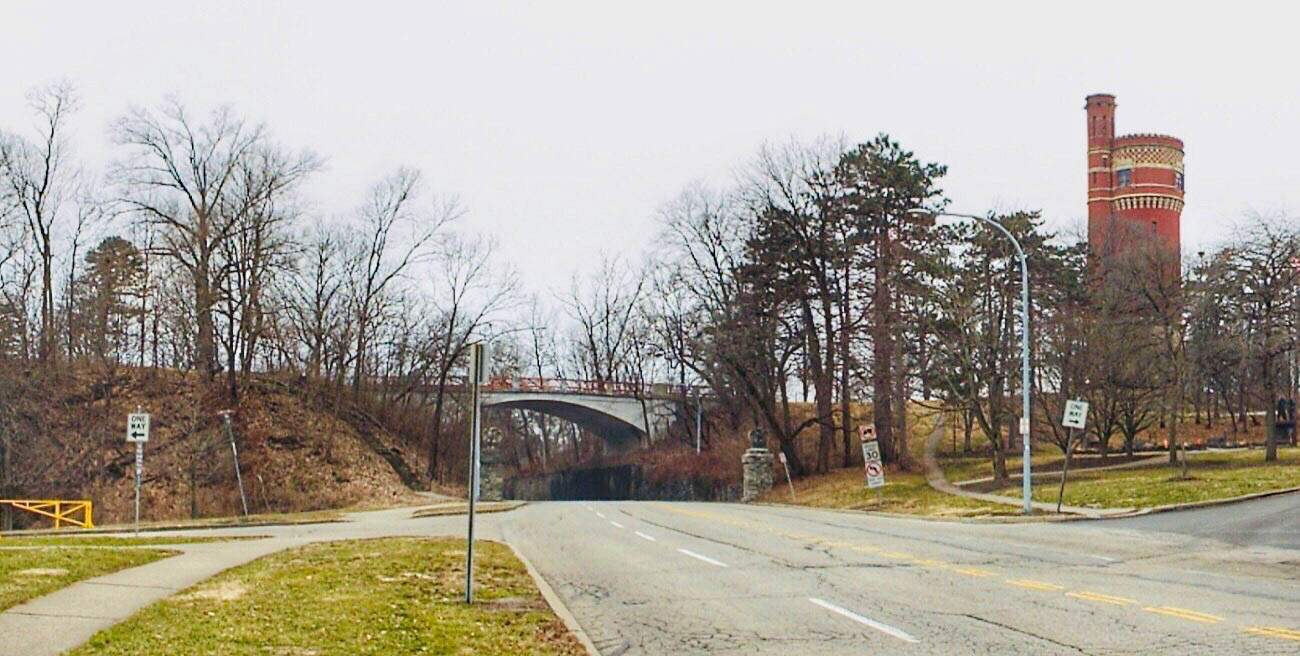 The Melan Arch Bridge leading from the Standpipe to the Eden Park Overlook was also completed in 1894. It was the first concrete arch bridge in Ohio and still stands sturdily today. / Image: Amy Bauer // Published: 3.14.19