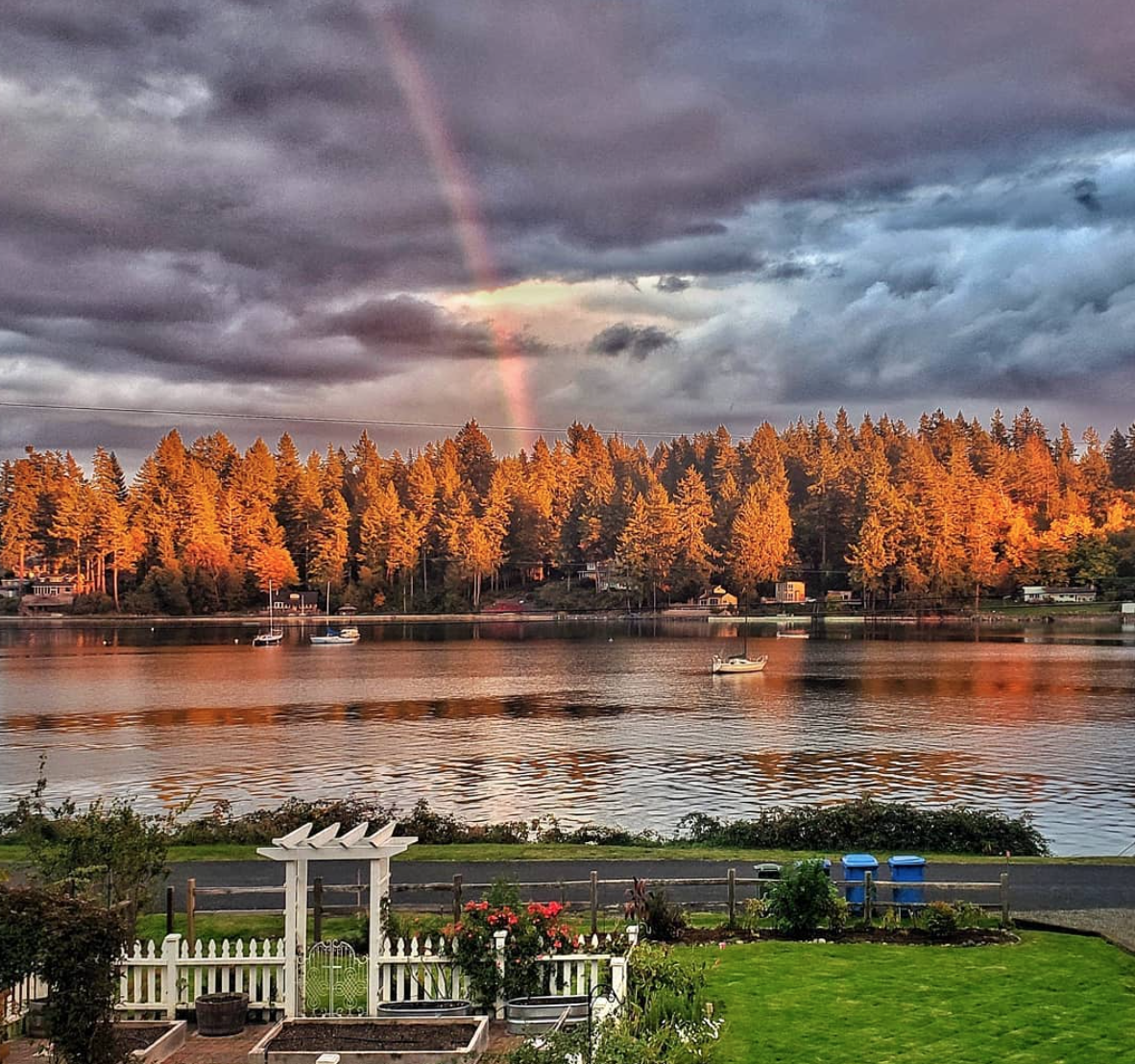 The water views from Robinson's Gig Harbor area home are breathtaking. (Photo: Kim Robinson/Shiplap and Shells)
